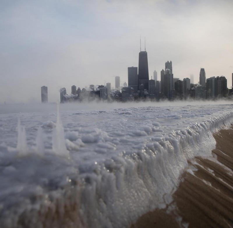 Sub-Zero-Temperatures-Put-Chicago-Into-Deep-Freeze-2